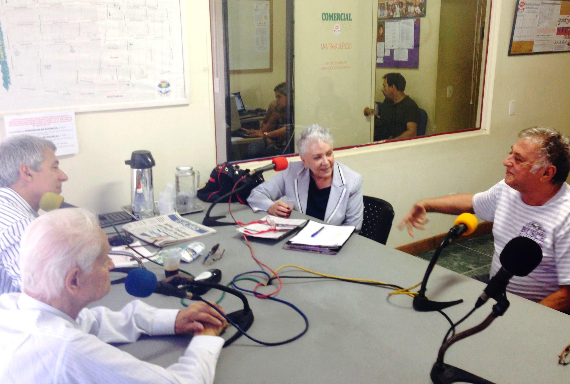 Cidinha dá entrevista à Rádio Saara e recebe apoio de um dos maiores comerciantes da região