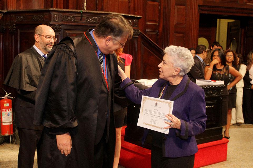 Cidinha Campos é diplomada como deputada pela sétima vez